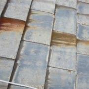 屋根瓦の色あせや、表面のコケ04